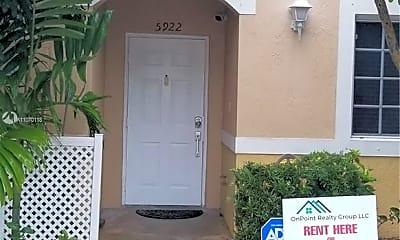 5922 Riverside Ave, 1