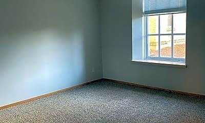 Living Room, 222 N Franklin St, 2