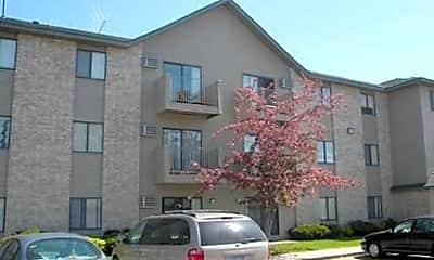 Pleasant Ridge Apartments, 1