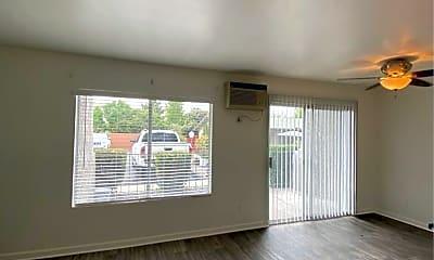 Living Room, 1286 N Mollison Ave, 0