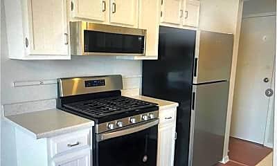Kitchen, 27 Southwind Ln 27, 1