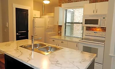 Kitchen, 1011 S 30th Ave, 2