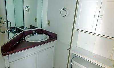 Bathroom, 819 Thurston St, 2