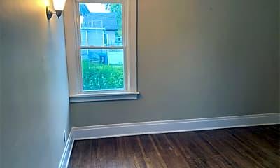 Bedroom, 92 Tremont Ave, 2