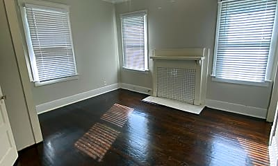 Living Room, 763 E Duffy St, 2