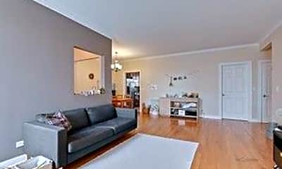 Living Room, 215 S Evergreen Ave B, 1