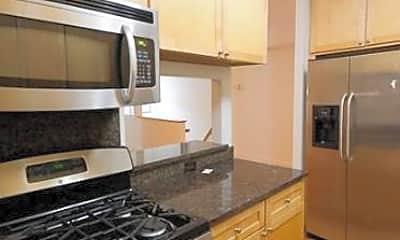 Kitchen, 226 E 81st St, 1