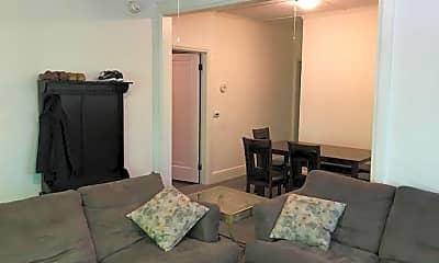Living Room, 125 Highland Pl, 1
