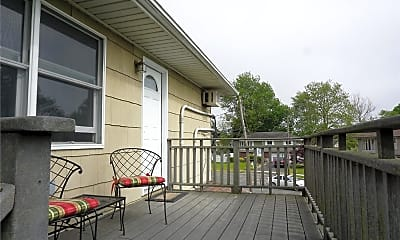 Patio / Deck, 15 Reed Dr, 1