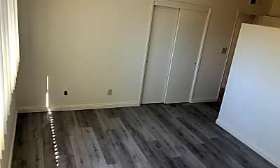 Living Room, 401 N Baltimore Ave, 1