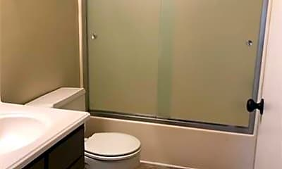 Bathroom, 1304 Chestnut St, 1
