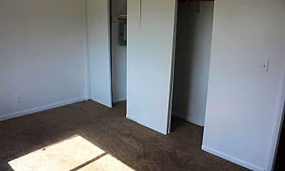 Bedroom, 213 Harvard St, 2
