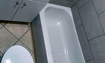 Bathroom, 2839 Miami St, 2