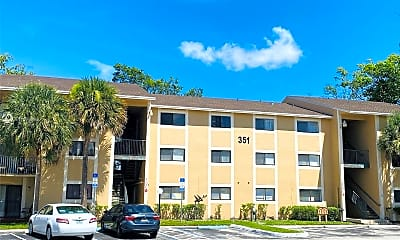 Building, 351 Palm Way 202, 0
