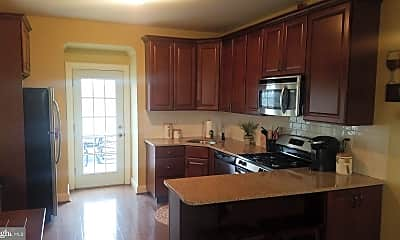 Kitchen, 107 Ardmore Ave 3RD, 1