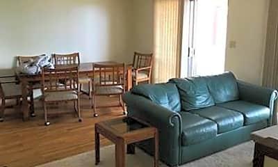 Living Room, 1333 Akiahala St, 2