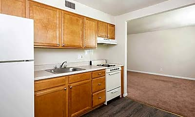 Kitchen, Lincoln Crossing, 2