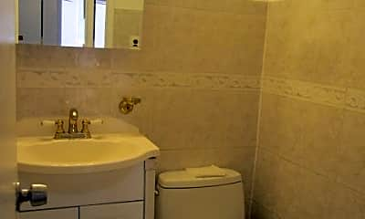 Bathroom, 201 St Pauls Ave 17-, 2