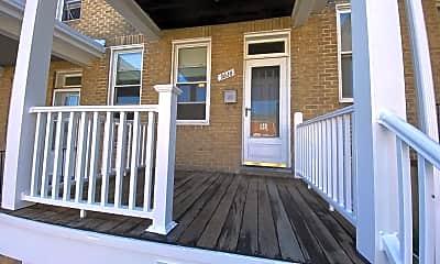 Patio / Deck, 3616 Parkdale Ave, 1
