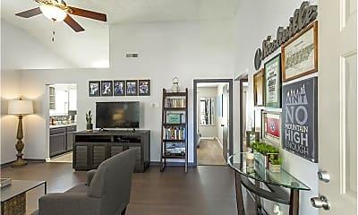 Living Room, 1005 Looby Cir, 1