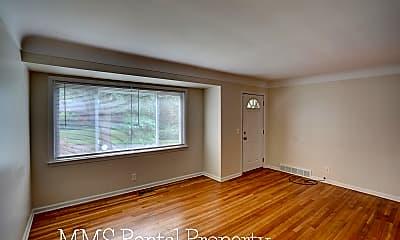 Living Room, 613 Bradley Ave, 1