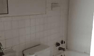 Bathroom, 228 W 20th St, 1