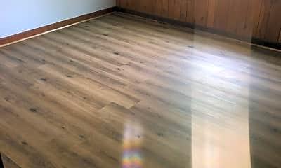 Living Room, 420 Franklin St, 2