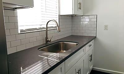 Kitchen, 250 Loma Dr, 0