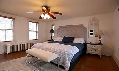 Bedroom, 124 Main Ave, 2