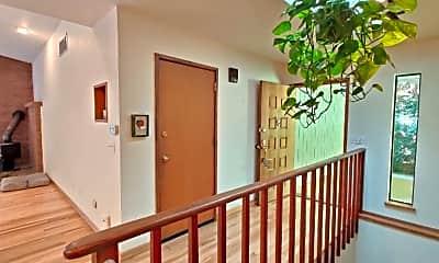 Building, 2734 Gull Harbor Rd NE, 1