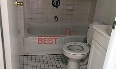Bathroom, 789 Lexington Ave, 2