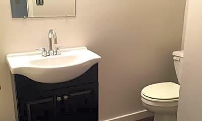 Bathroom, 603 W Meade Blvd, 1