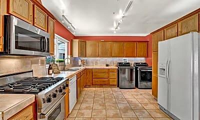 Kitchen, 1812 W Catalina Dr, 0