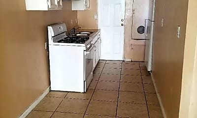 Kitchen, 209 Columbia Pl, 2