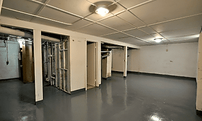 Fitness Weight Room, 1711 25th St, 2