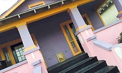 Building, 906 Mazant St, 2