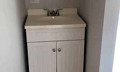 Bathroom, 59 Amherst St, 2
