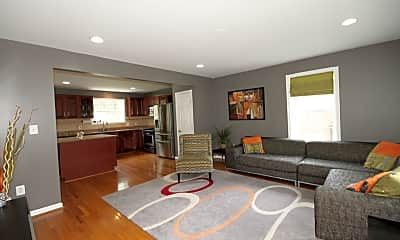 Living Room, 5315 Queensberry Ave, 2