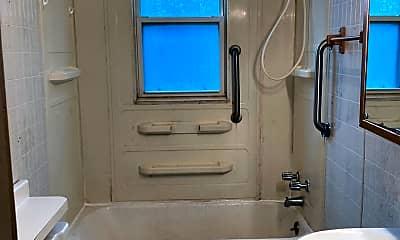 Bathroom, 1714 W Pardee St, 2