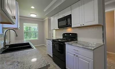 Kitchen, 670 Sycamore St, 1