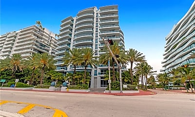9401 Collins Ave 307, 2