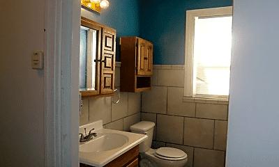 Bathroom, 529 Madison Ave, 1