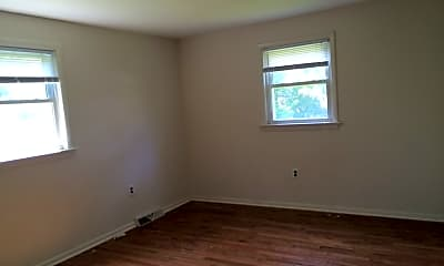 Bedroom, 114 University Blvd, 2