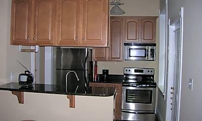 Kitchen, 603 N Allen Ave, 1