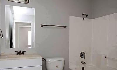 Bathroom, 3712 Malloy St, 2