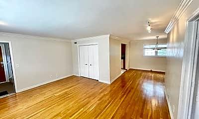 Living Room, 3660 Peachtree Rd NE C3, 1