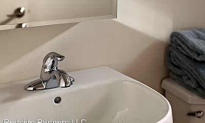 Bathroom, 3919 S Pearl St, 2