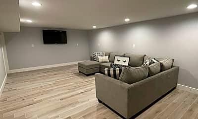 Living Room, 6003 Ventnor Ave, 2