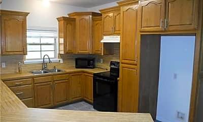 Kitchen, 17412 Kyle Rd, 1
