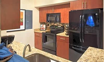 Marquesa Apartments, 1